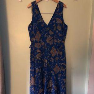 Like new! Taylor floaty asymmetrical ruffle dress